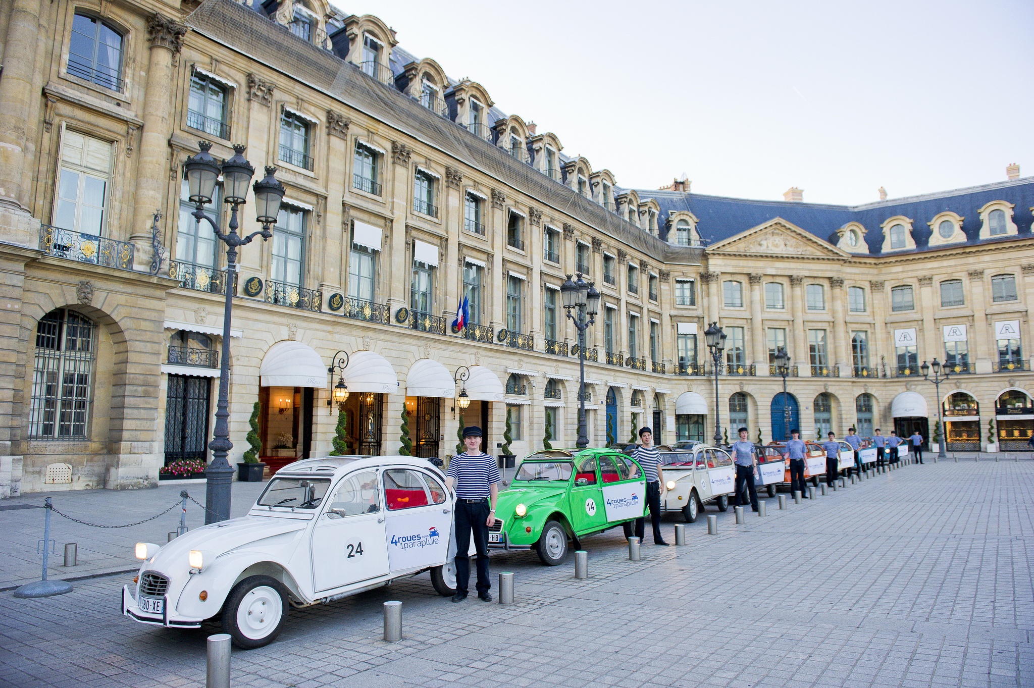 a special tour and visit of paris in 2cv car paris is eternal a day trip. Black Bedroom Furniture Sets. Home Design Ideas