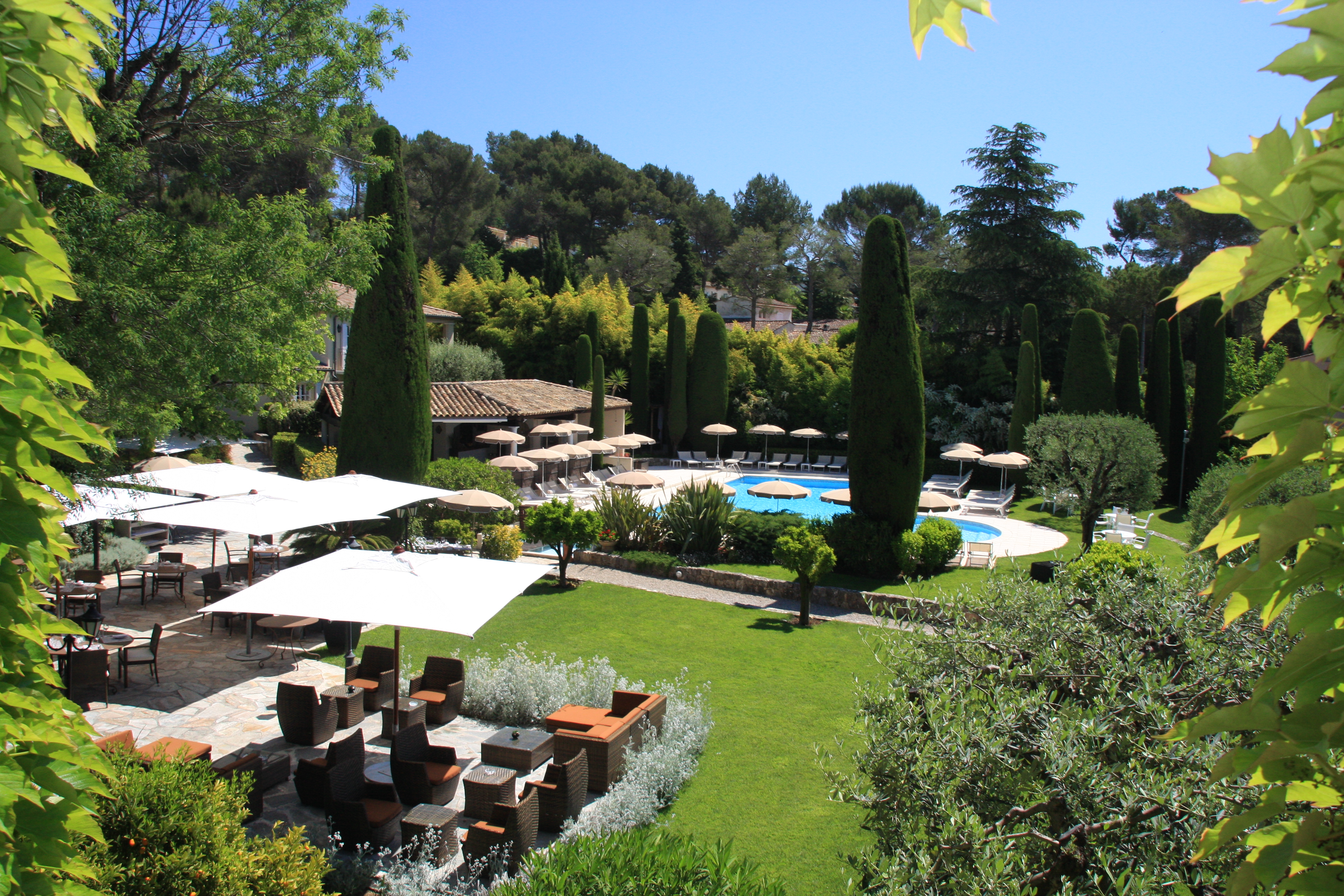 travel in hotel stay at hôtel de Mougins in Provence in France